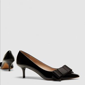 NWT Zara Faux Patent Leather Bow Court Heels Shoes